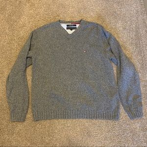 Tommy Hilfiger - Gray V-Neck Sweater (M)